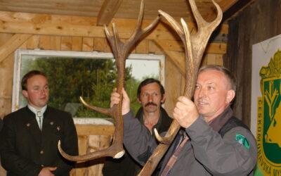 Výstava jeleních shozů – Orlické Záhoří 2011